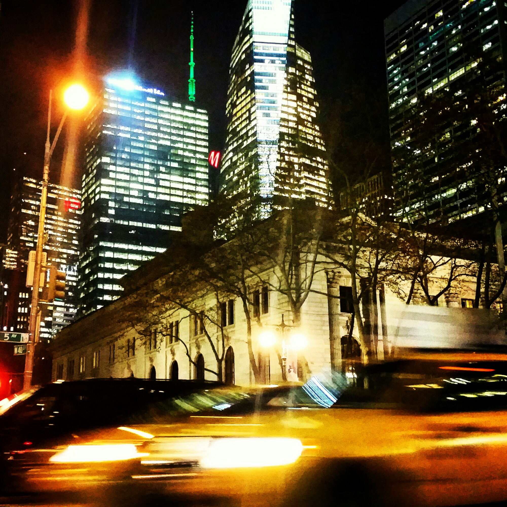 Fifth Avenue, Midtown Manhattan: Photo: Marek Rygielski